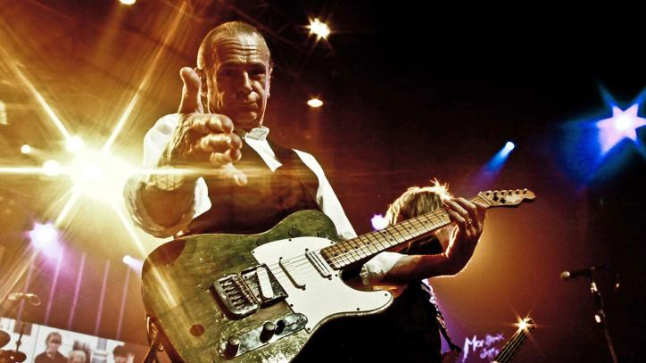 Watch Status Quo Live In Montreux Online